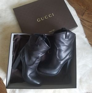 Authentic Gucci platform runway booties